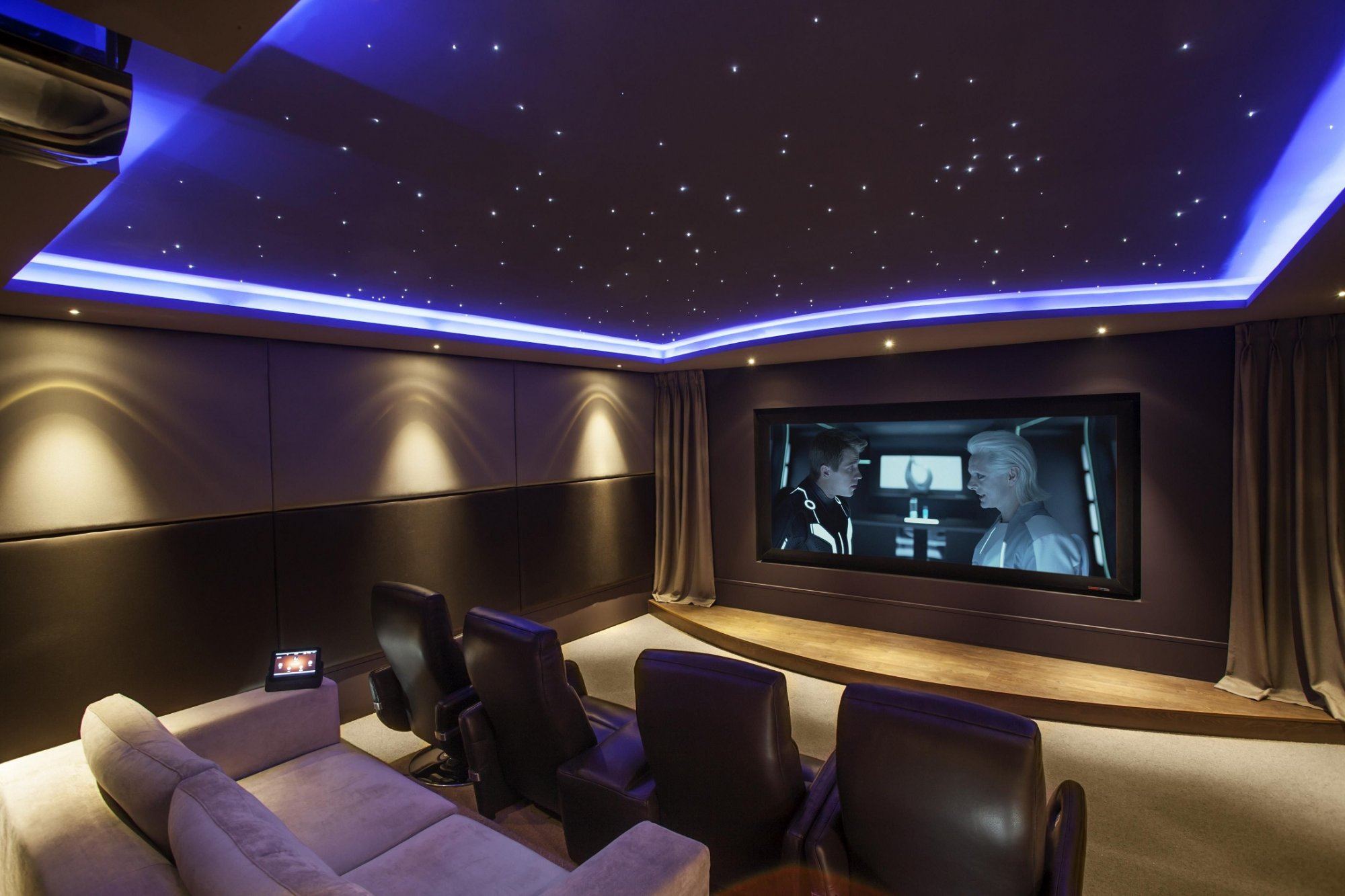 Home_Theater_-_Uu_Viet_Audio_a